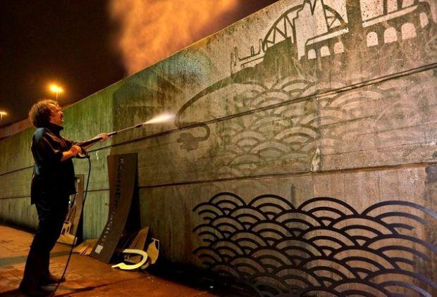 LEAF_Reverse_Graffiti_01