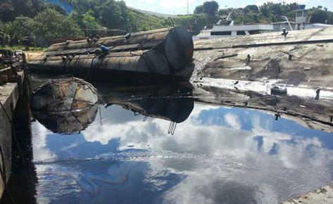 Manaus-Amazonas-Amazonia-Cheuan-Vazamento-registrado-Rio-NegroBombeiros-Capitania-IBAMA-Nacional-Petroleo_ACRIMA20130326_0020_15