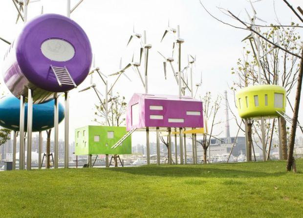 Parque na China ganha espaço divertido equipado com turbinas eólicas