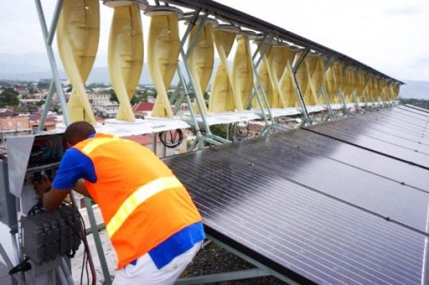 Windstream-Technologies-Solar-Hybrid-11-537x357