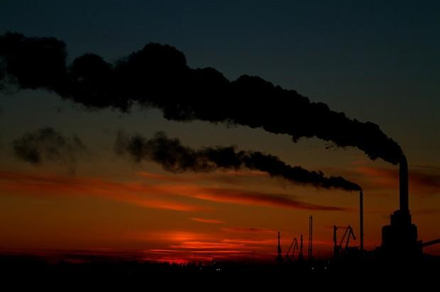 Meta de limitar aquecimento global a 2°C está cada vez mais distante