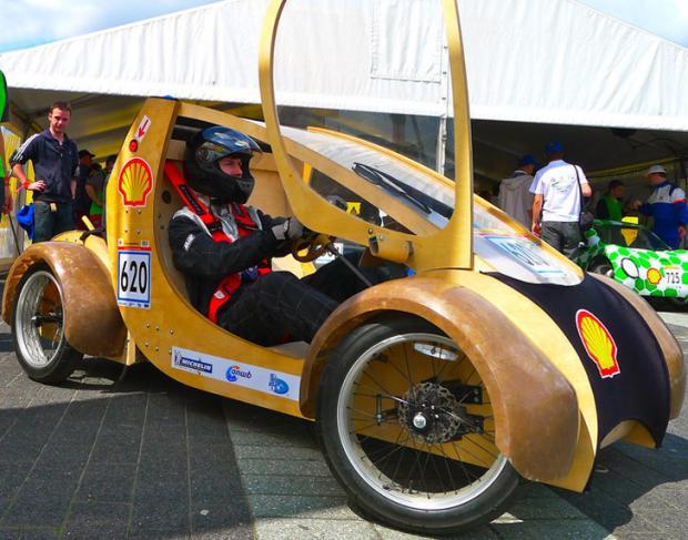 aston-university-hydrogen-cardboard-car