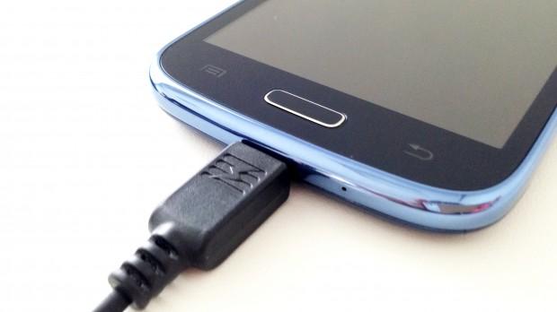 celular-carregando-foto-mayra-rosa-ciclovivo