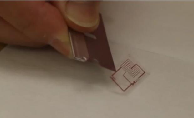 Chip que se dissolve na água pode combater acúmulo de lixo eletrônico