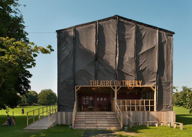 dezeen_theatre-on-the-fly-by-assemble_ss_1