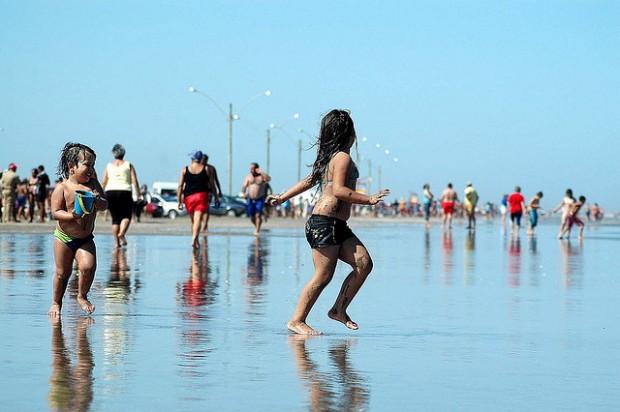 praia-banho-feriado-ciclovivo