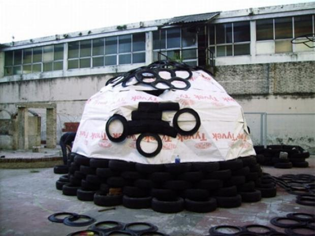 recycled-tires-home-for-haiti1_mnby6_24429