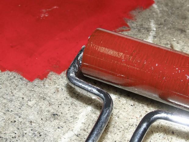 Tinta de baixo custo é produzida com bagaço e palha da cana