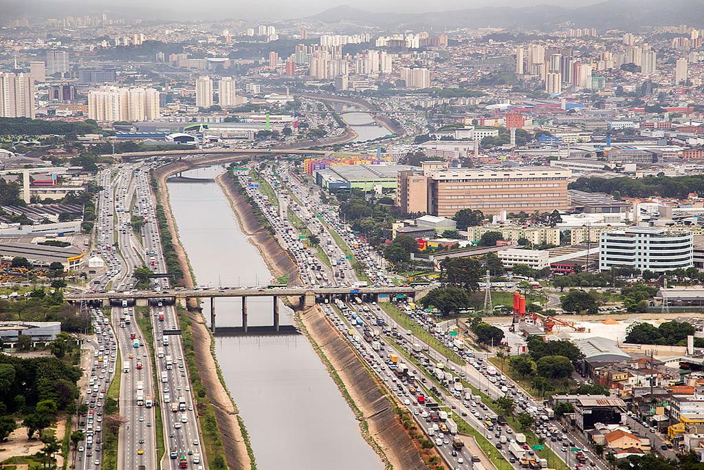 Sem receber esgoto, Rio Tietê poderia estar limpo em cinco anos