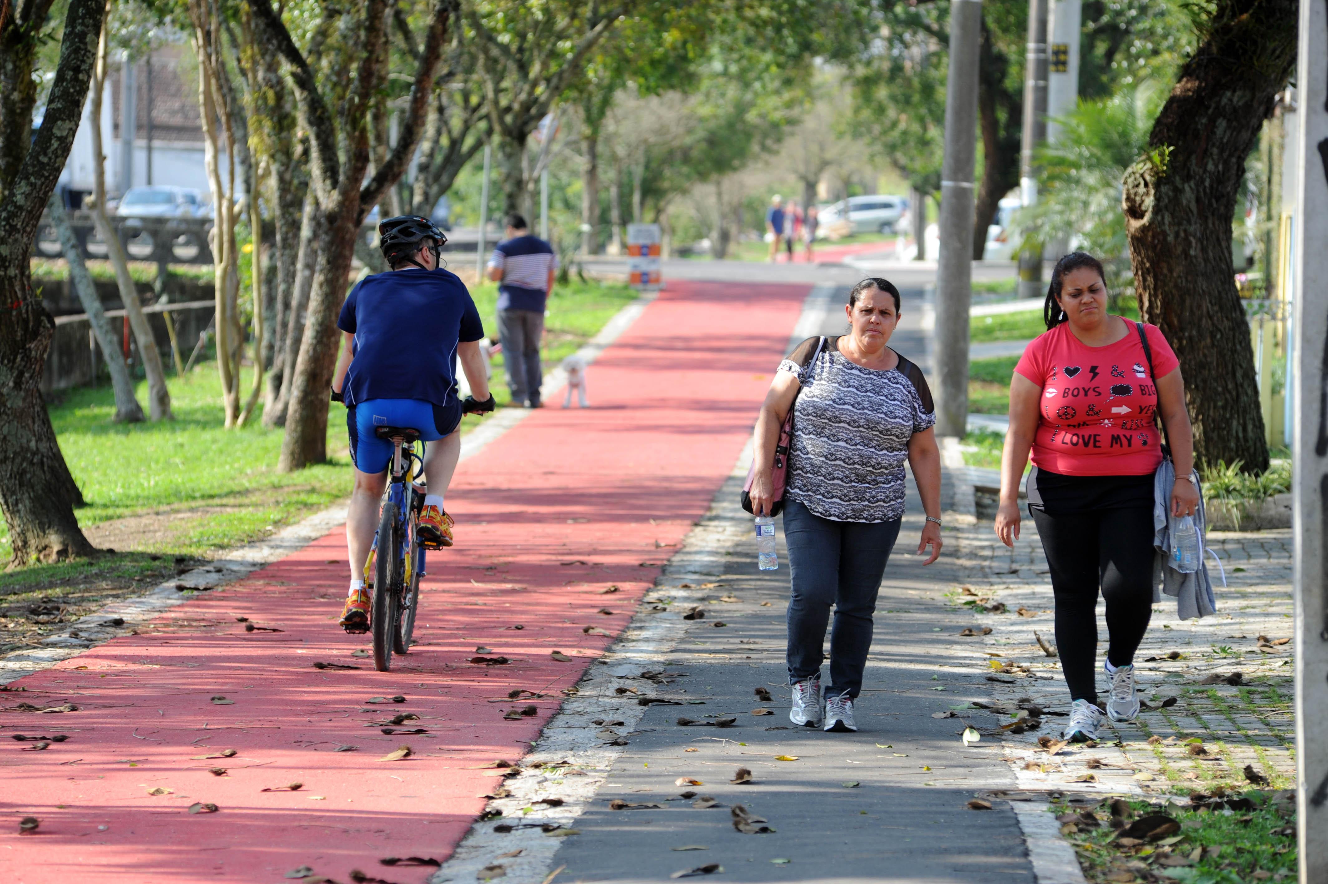 Ciclovias custam menos de 1% do valor de uma estrada