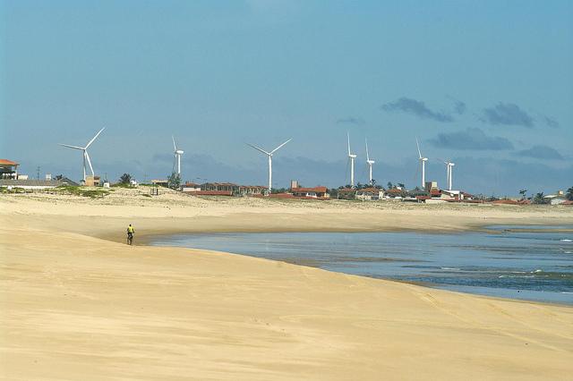 Energia eólica lidera leilão energético no Brasil