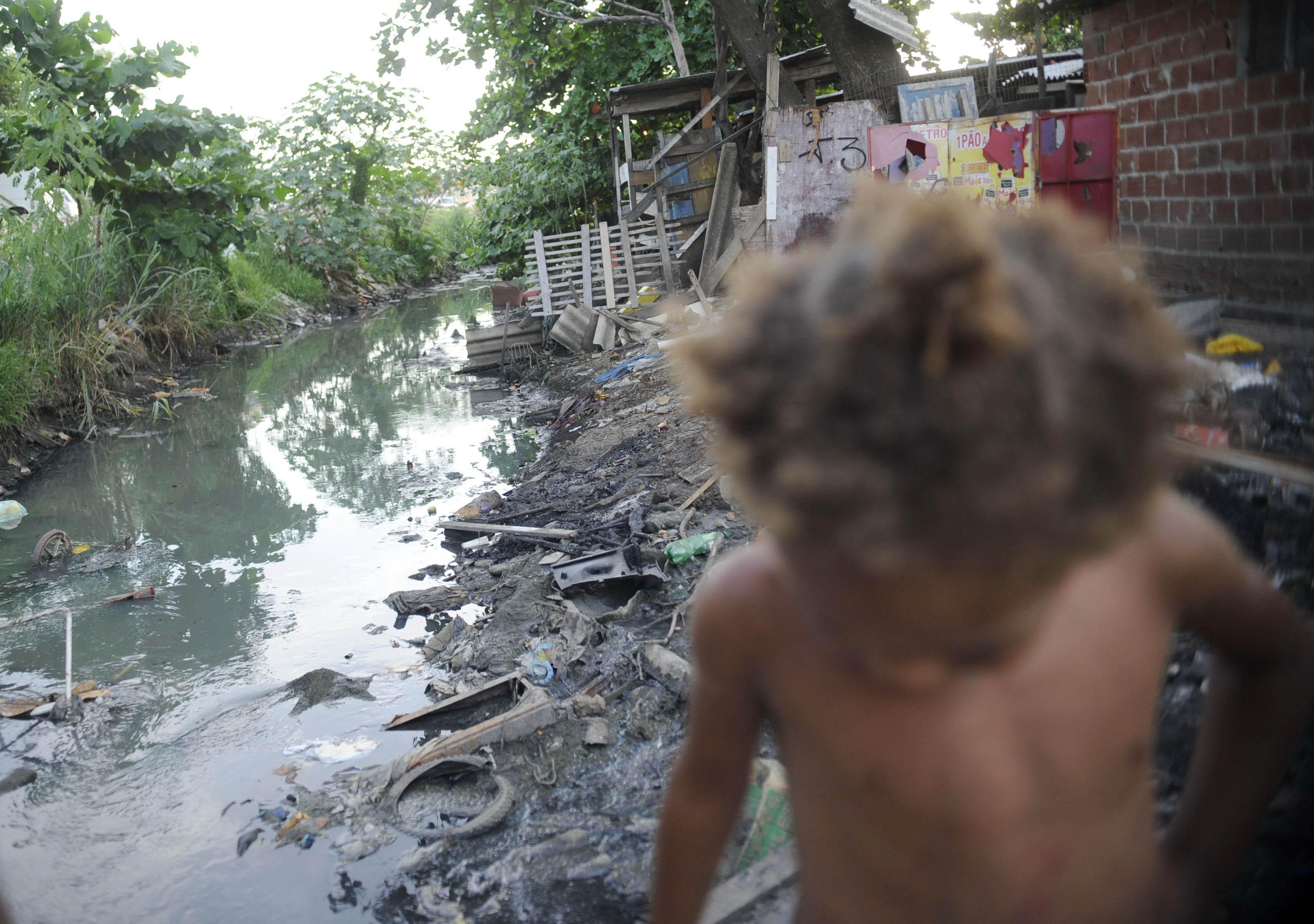 "SOS Mata Atlântica coleta assinaturas na Avenida Paulista para ""Saneamento Já"""