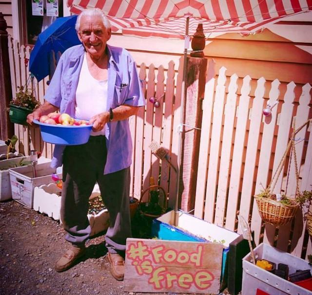 A ideia é que as pessoas tornem-se menos dependentes do atual sistema agrícola. | Foto: Food is Free Project