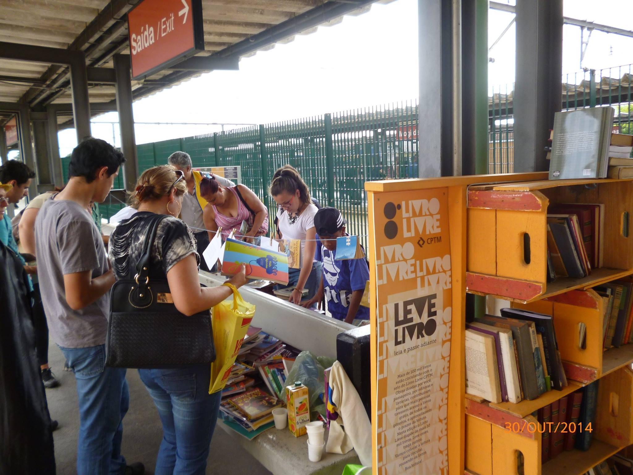 Estações da CPTM distribuirão livros gratuitamente
