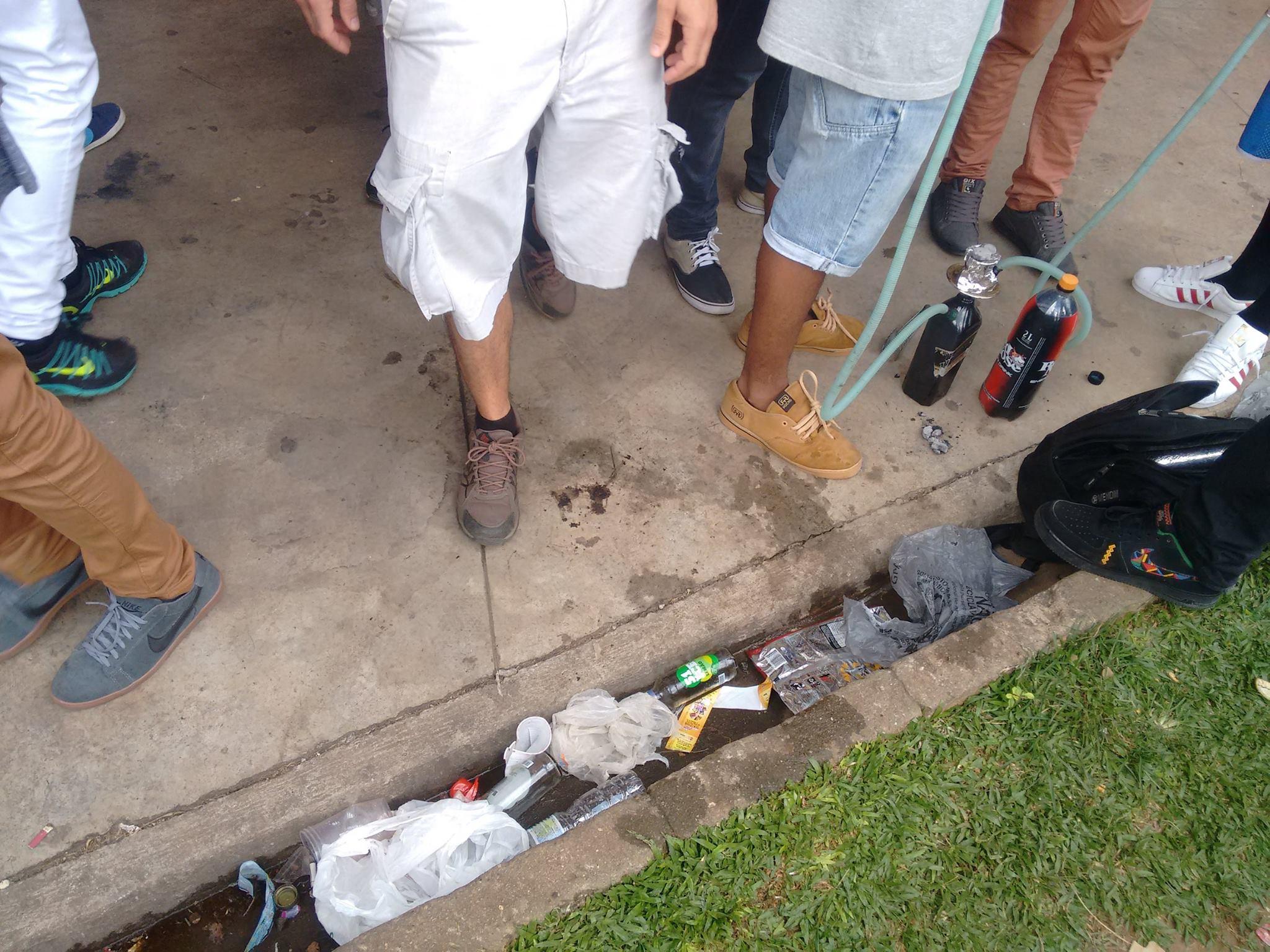 Grupo denuncia quantidade de lixo jogada no parque Ibirapuera