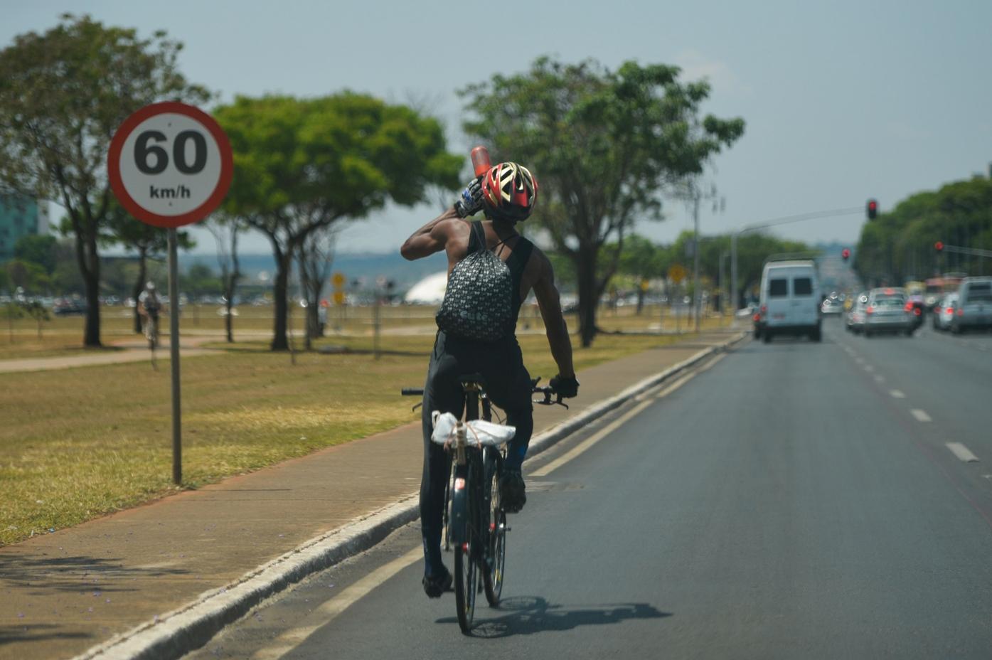 Pesquisa mostra o perfil e as dificuldades de quem pedala no DF