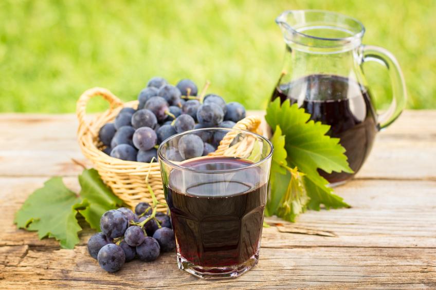 Conheça os benefícios do suco de uva
