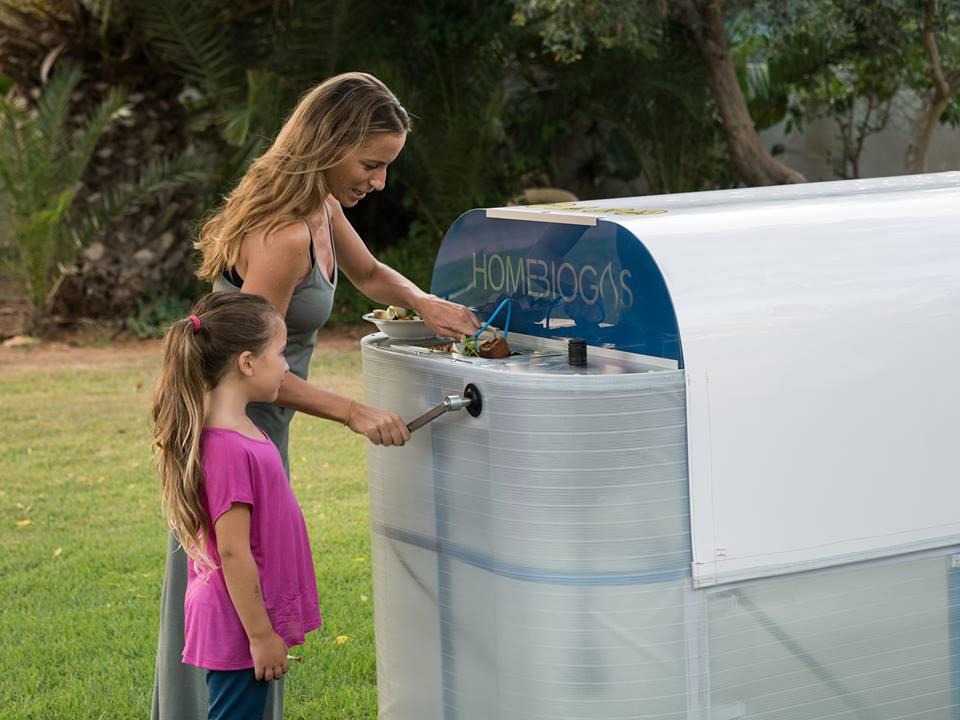 Máquina de compostagem doméstica produz energia limpa e fertilizante orgânico