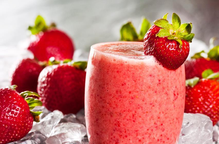 Aprenda a fazer um smoothie saudável para o verão