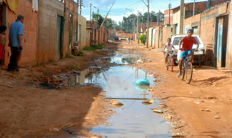 Saneamento básico é solução para combater a zika, diz ONU