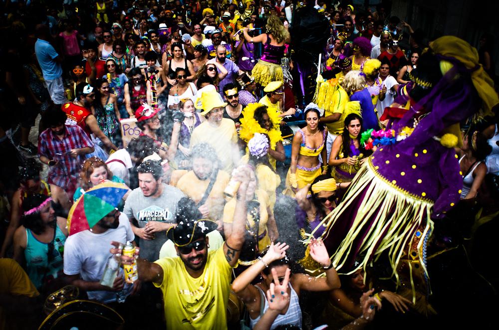 Carnaval de rua em  São Paulo tem bloco movido a pedaladas
