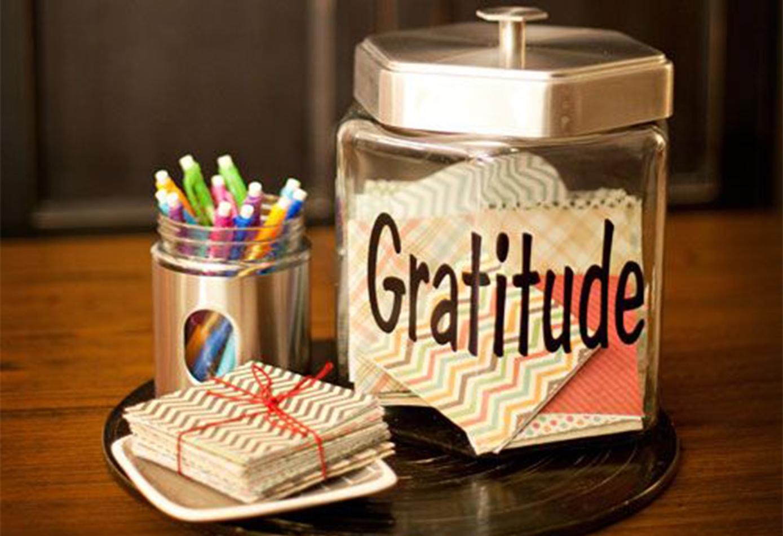 """Aprenda a fazer um """"Pote da Gratidão"""""""