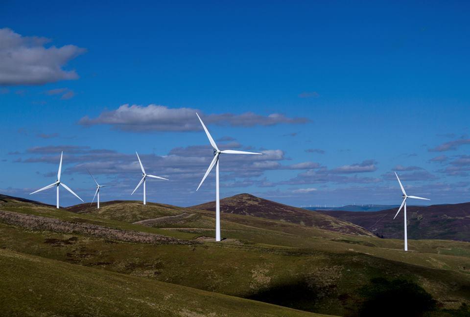 Escócia usa o vento para produzir 97% da demanda energética residencial
