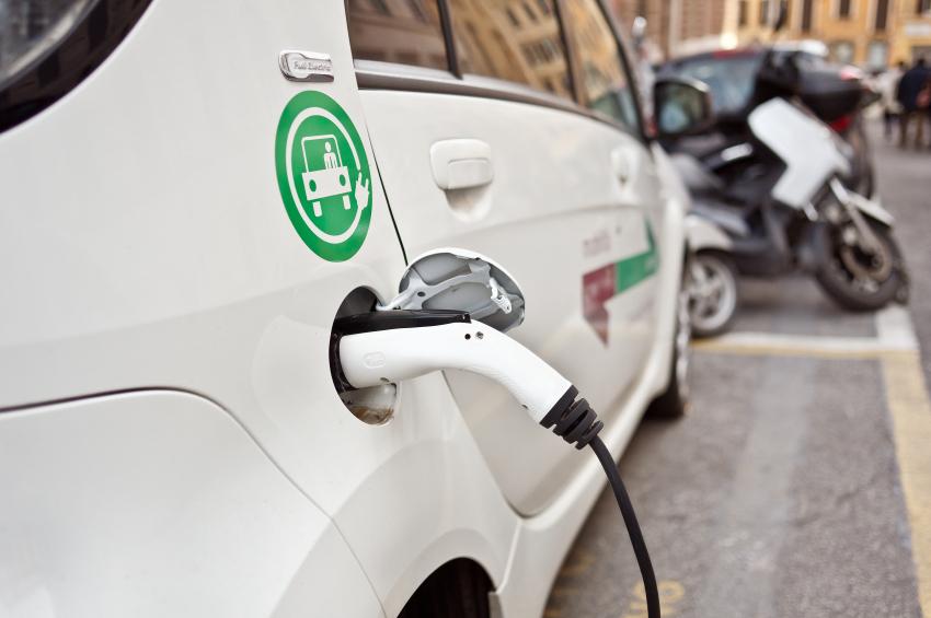 Fortaleza anuncia sistema de compartilhamento de carros elétricos