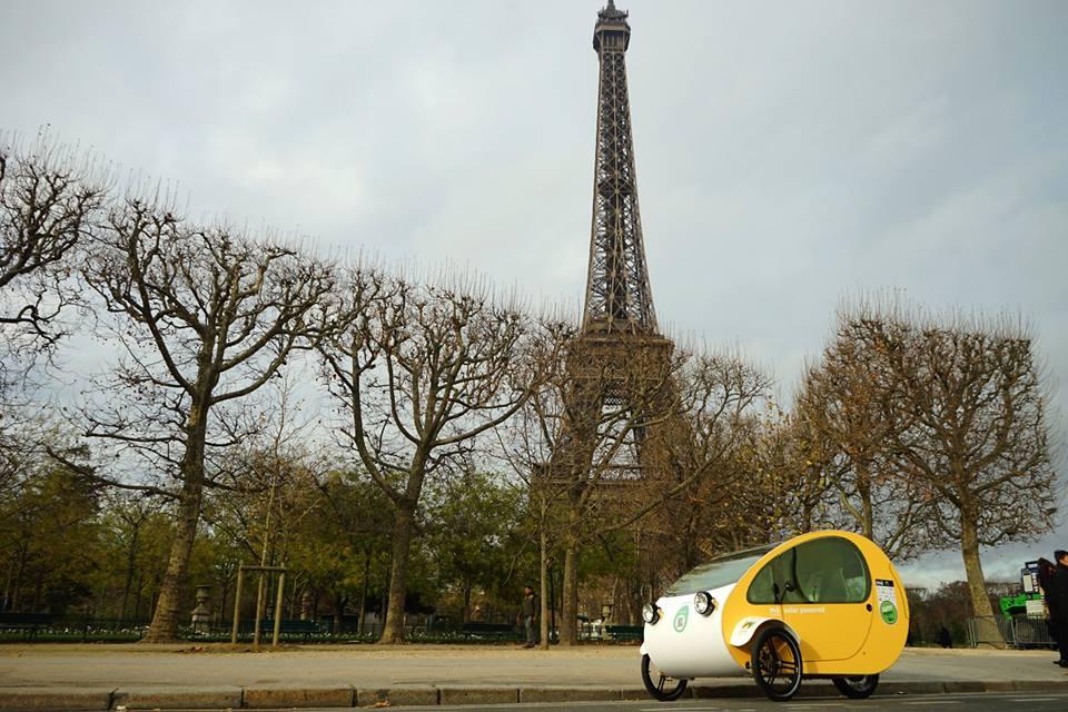 Triciclo com placas solares é solução sustentável para transporte nas cidades
