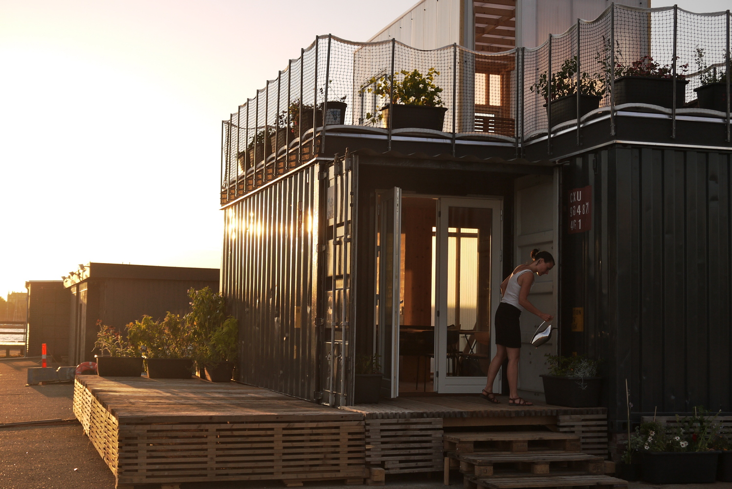 Arquiteto dinamarquês cria vila estudantil feita em contêineres
