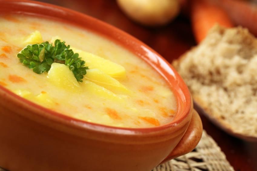 Aprenda a fazer uma sopa aproveitando talos
