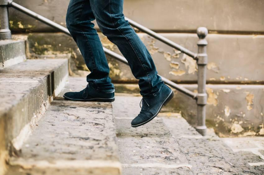 Subir escadas ajuda a deixar o cérebro mais jovem