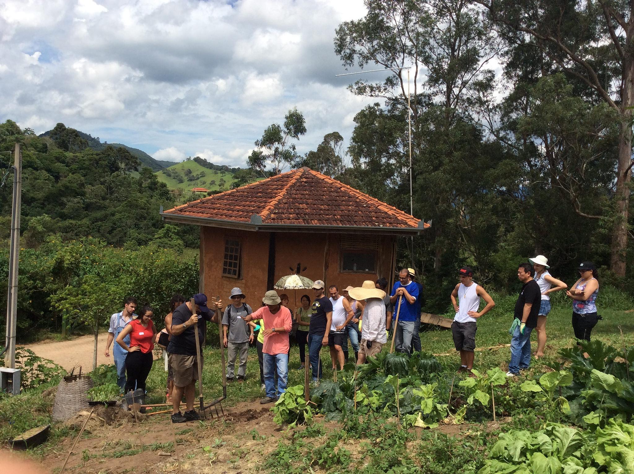 """Ecovila em SP oferece vivências e cursos sobre agricultura em """"Páscoa na roça"""""""