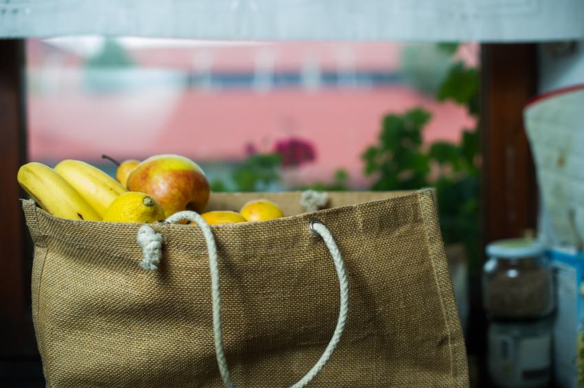 Itália tem projeto de lei que incentiva comércio a doar alimentos não vendidos