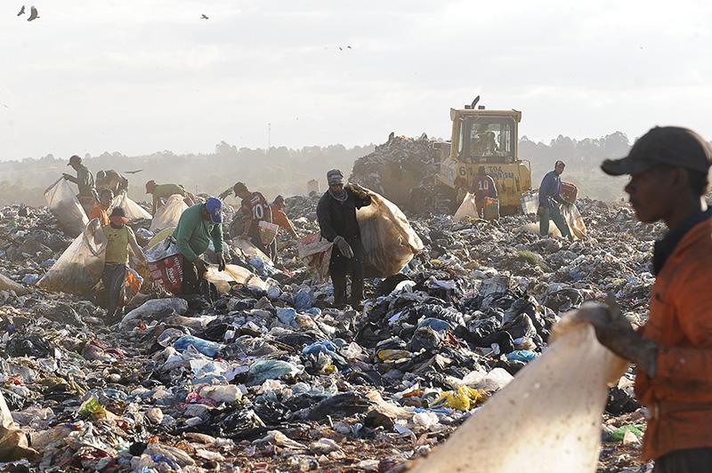 Mais da metade do Brasil continua a descartar lixo a céu aberto