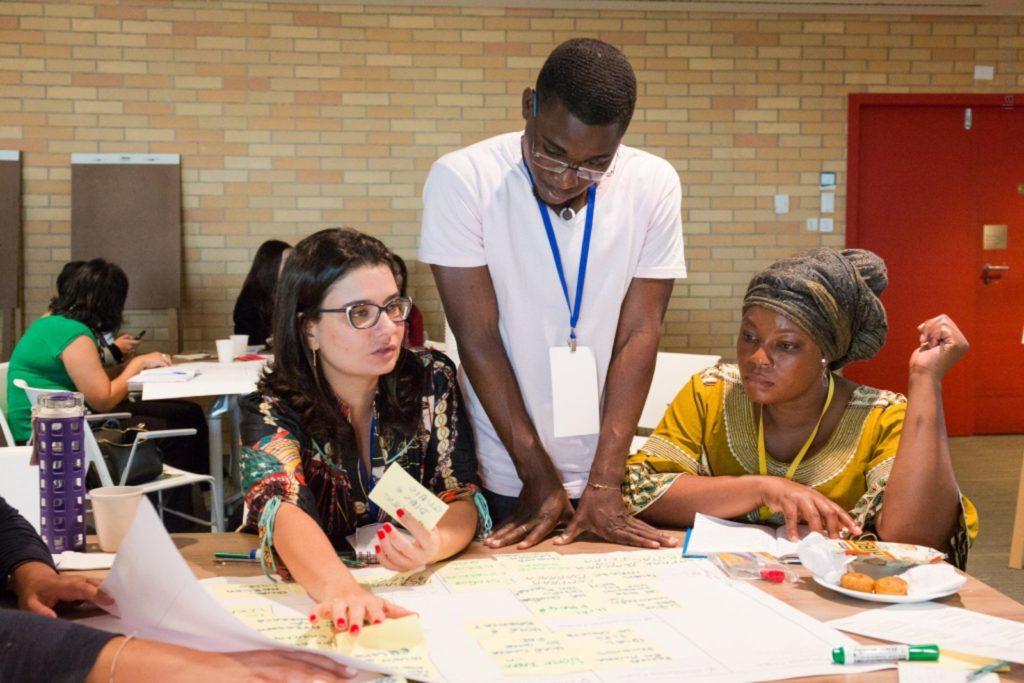 Curitiba tem cursos profissionalizantes para refugiados