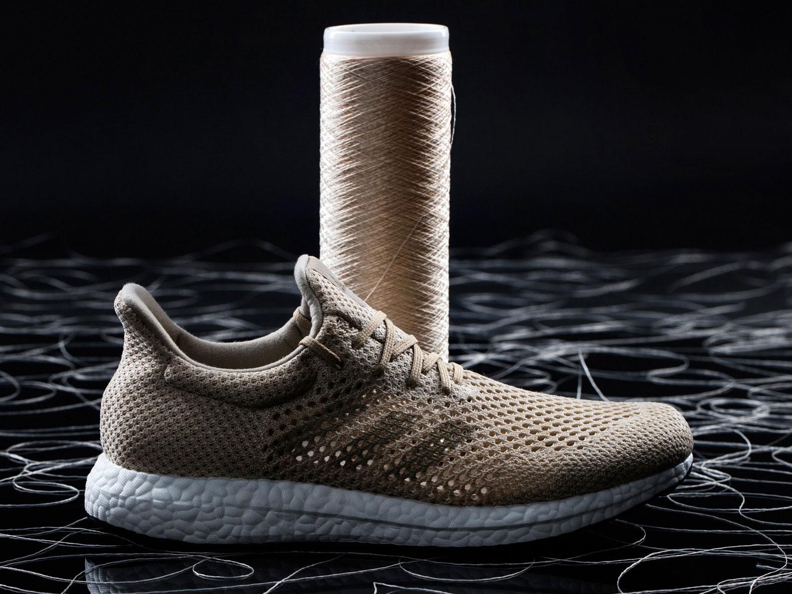 Adidas apresenta tênis de alta performance feito com seda de aranha artificial