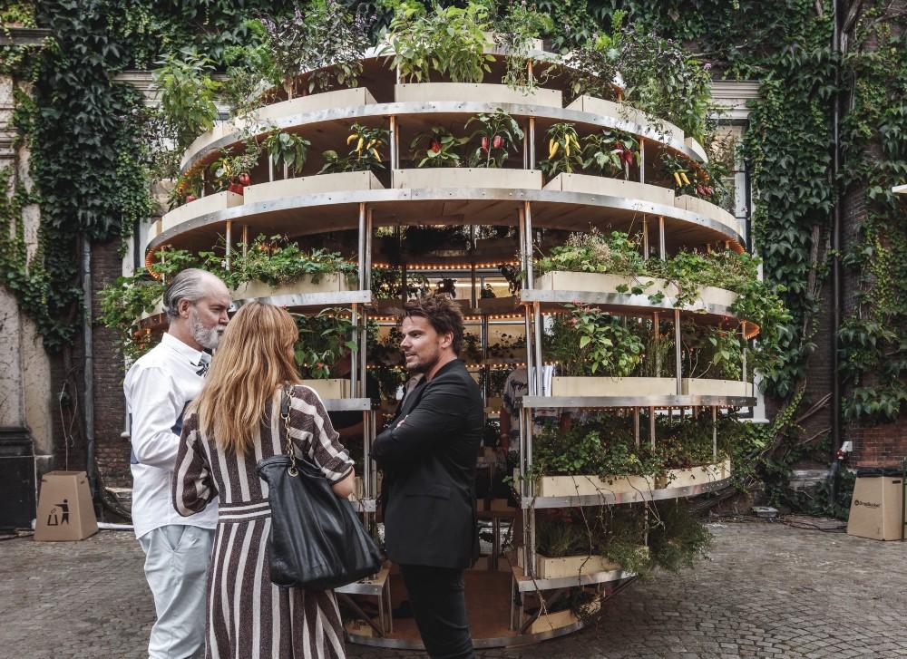 Arquitetos suecos divulgam projeto e passo a passo de horta esférica urbana