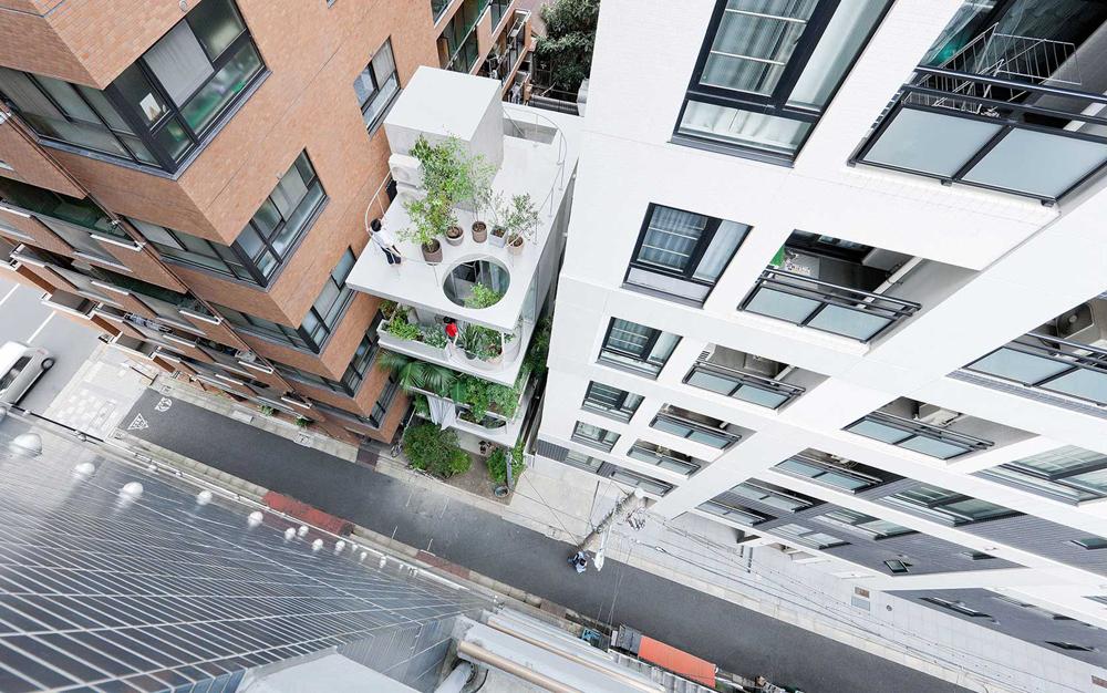Arquiteto japonês constrói casa semelhante a jardim vertical em Tóquio