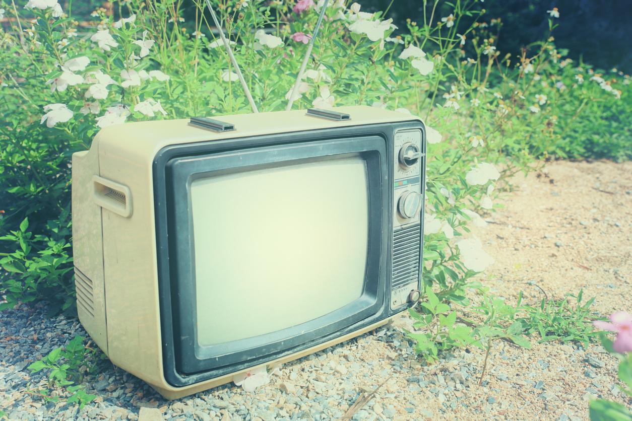 Saiba como descartar a sua TV antiga corretamente