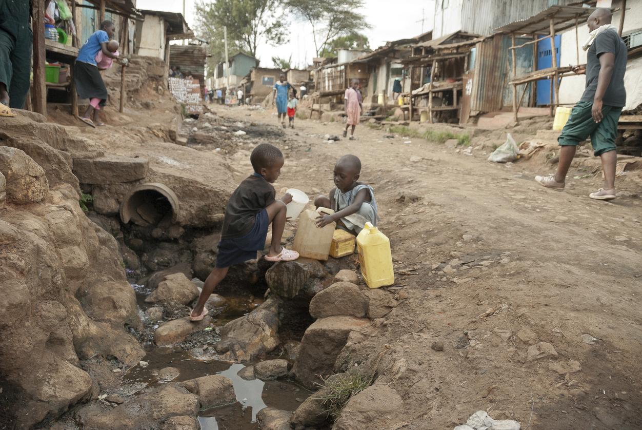 Poluição ambiental causa morte de 1,7 mi de crianças por ano no mundo