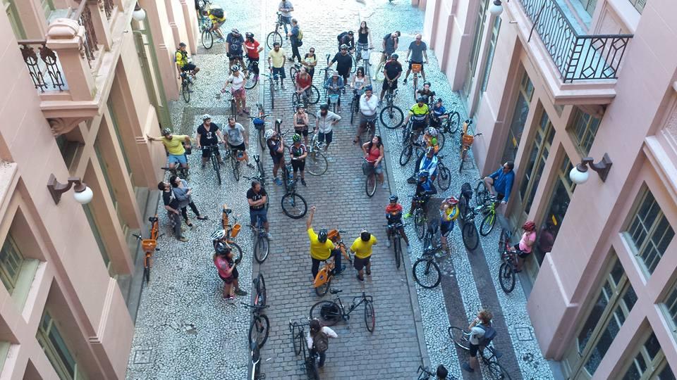 Porto Alegre realiza passeio ciclístico com contação de histórias