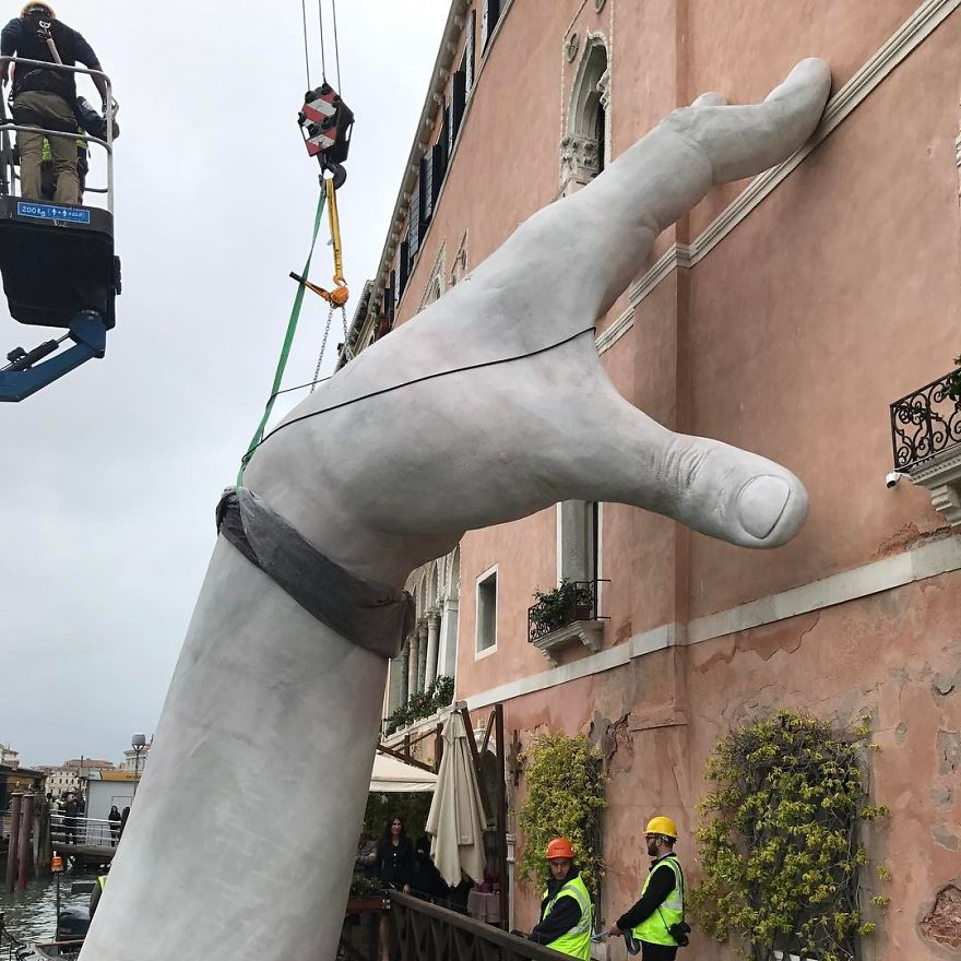 hands-sculpture-ciclovivo6