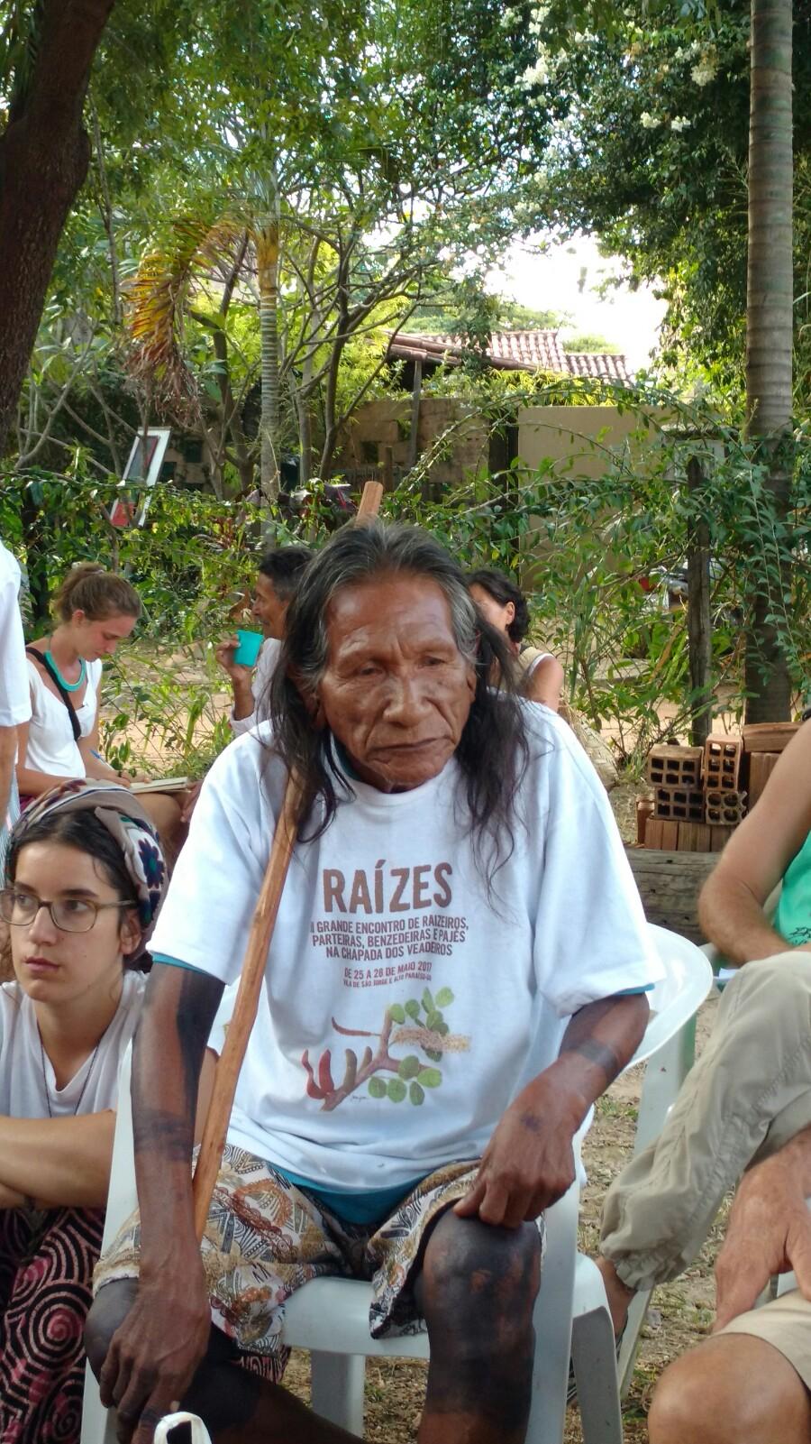 Pir'ka, pajé da etnia Krahô: conhecimentos milenares associados à biodiversidade. © Foto: Jaime Gesisky