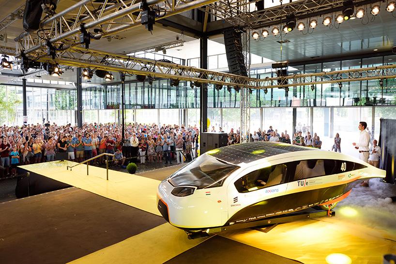 stella-vie-solar-car-TU-eindhoven-designboom-06-28-2017-818-001