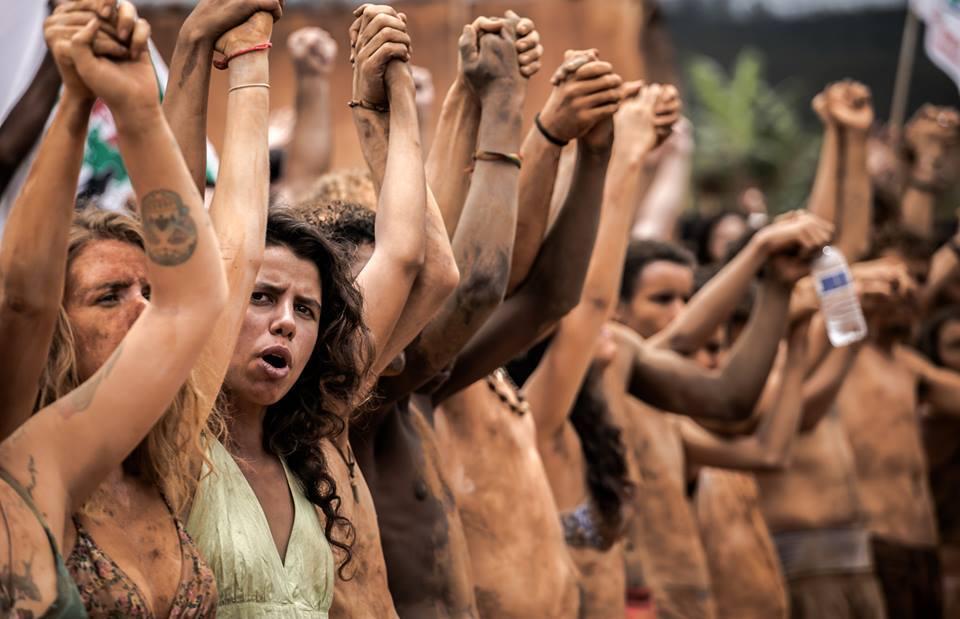 Na foz do Rio Doce, comunidades atingidas pela lama da Samarco recebem festival