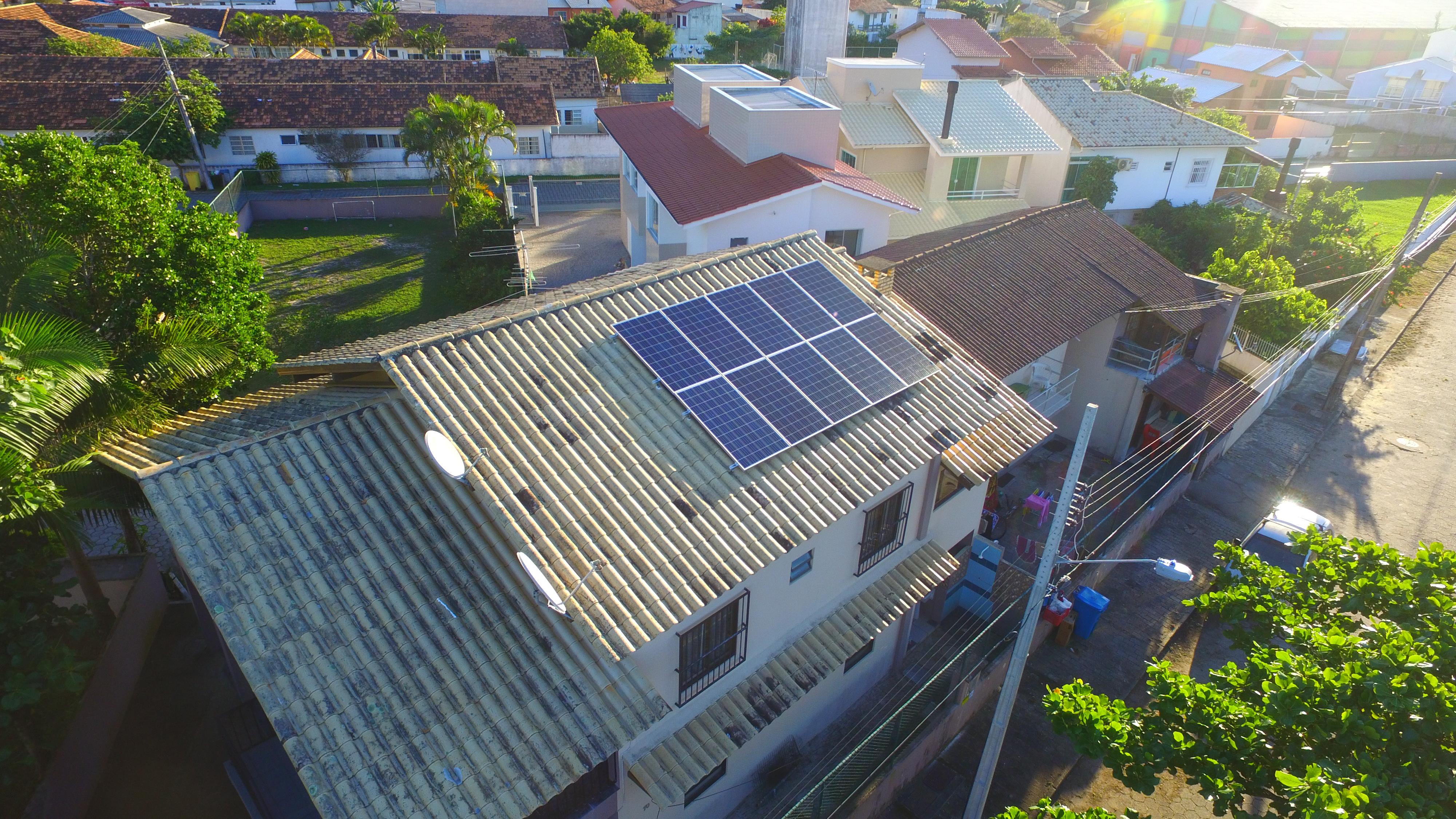 Projeto instala 200 sistemas de energia solar em Santa Catarina
