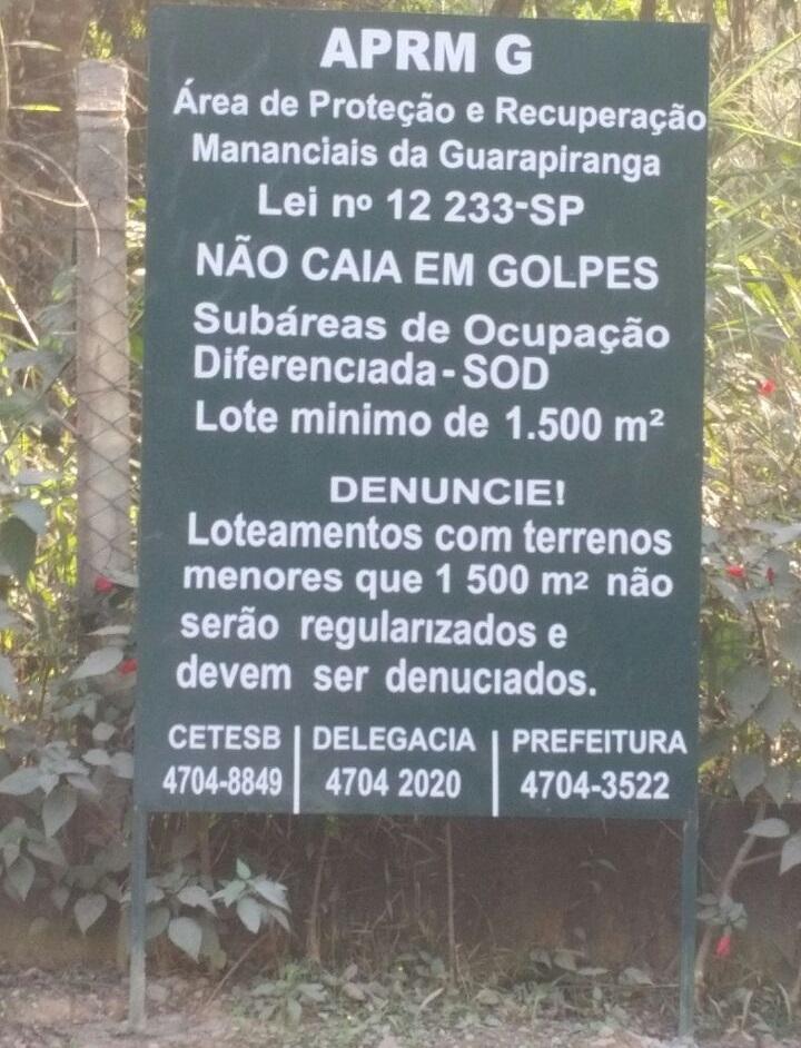 placa no Jardim Itatiaia