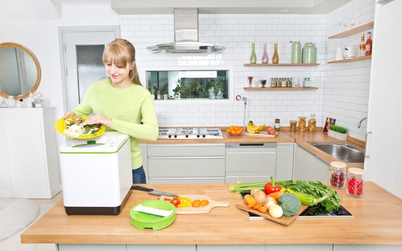 Composteira compacta transforma 1kg de resíduos alimentares em 100g de adubo