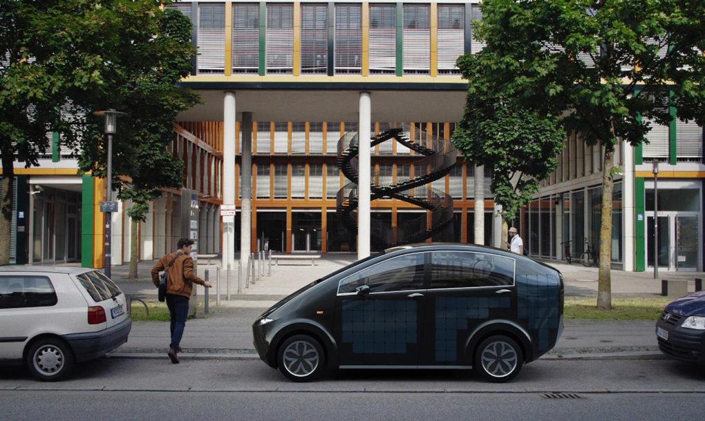 Alemães criam carro elétrico movido a energia solar